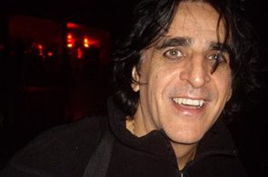 Jaz-Coleman_Paris_sept_2008_jpg_295x195_crop-smart_q85